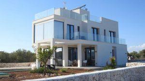IMMOBILIEN architektur-aussen-balkon